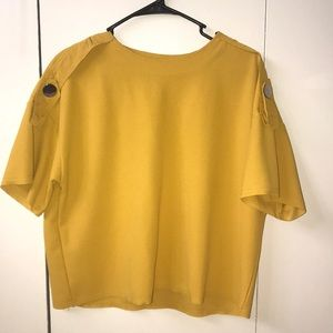 Blouse color mustard